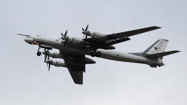 НАТО подняло 16 истребителей на перехват российских бомбардировщиков