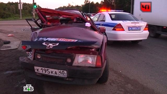 """На трассе """"Украина в страшном ДТП один человек погиб и пятеро пострадали"""