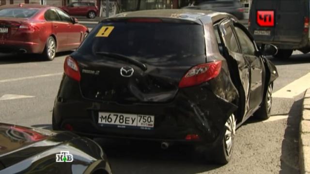 Автолюбительница разбила шесть машин на западе Москвы