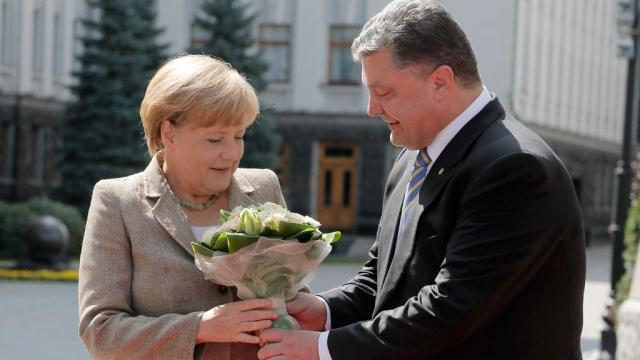 Порошенко считает Меркель хорошим другом и сильным адвокатом Украины