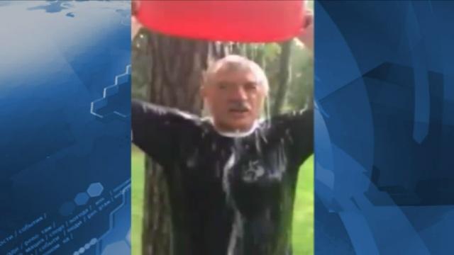 Полтавченко принял вызов Малафеева и облился ледяной водой