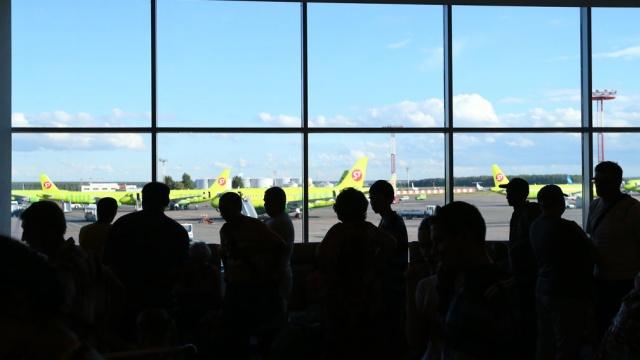В Домодедово после посадки самолета скончался пассажир