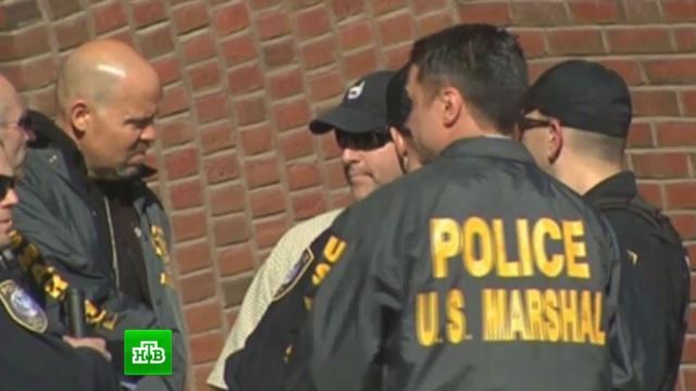 В Калифорнии подстрелили трех человек и похитили новорожденную