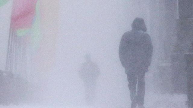 Семь человек на снегоходах пропали во время метели под Архангельском