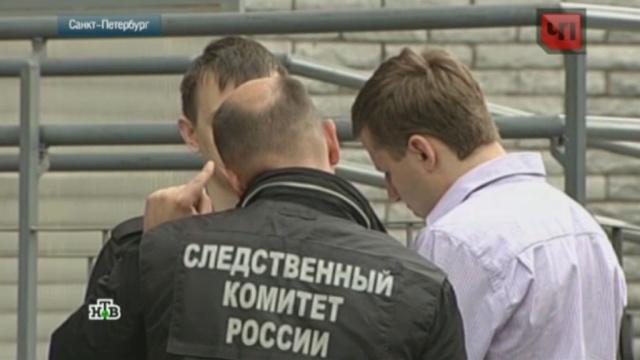 В Петербурге выпал из окна школьник, ставший свидетелем преступления