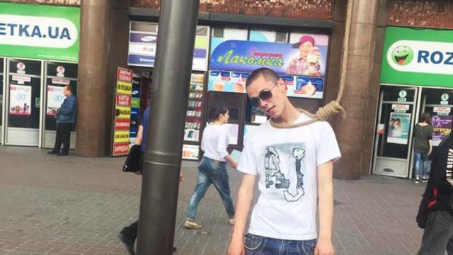 Киевляне лезут в петлю из-за высоких тарифов ЖКХ