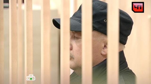 """Бывший генерал МВД в суде не признал свою вину по делу о """"золотых парашютах"""""""