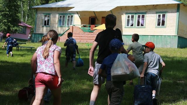 """Лагерь  """" Пламя  """" ждет выгнанных с подмосковных баз отдыха детей-инвалидов..."""