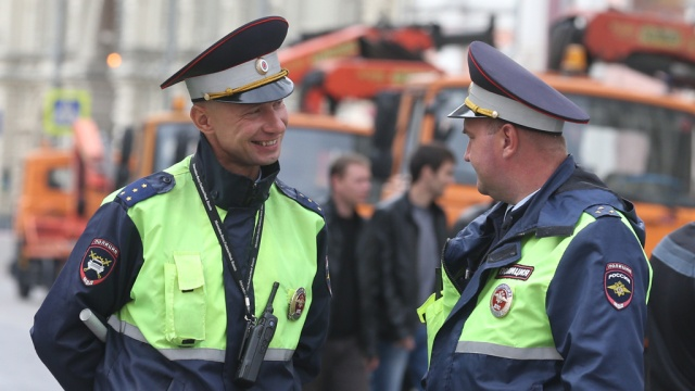 Госдума хочет разрешить сотрудникам полиции стрелять в людных местах Накануне...