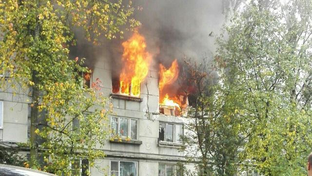Десять человек пострадали при взрыве газа в пятиэтажке Петрозаводска