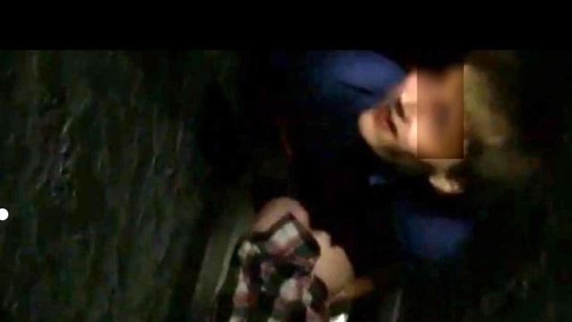 14 летнюю девочку насилуют: