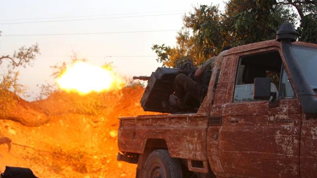 Российские летчики разбомбили завод ИГИЛ по производству боеприпасов