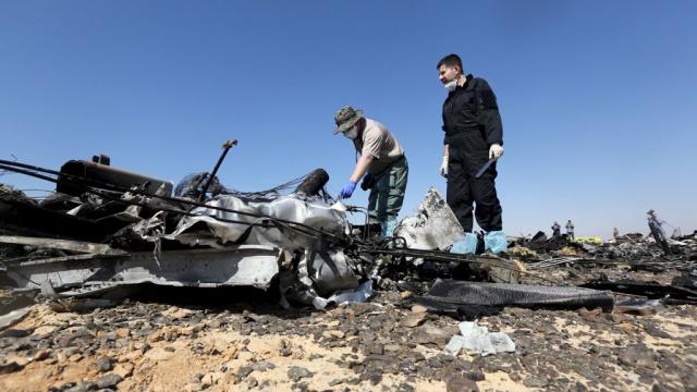 Более 100 российских спасателей прибыли на место крушения A321
