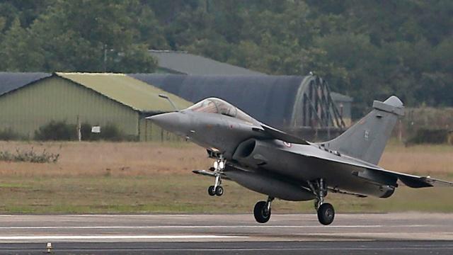 ВВС Франции разбомбили объекты террористов в сирийской Ракке