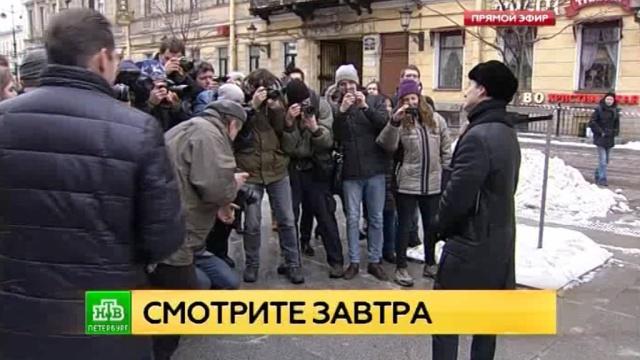 сергей безруков устроил экскурсию гоголевскому петербургу