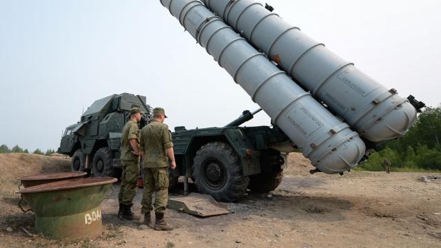 МИД Ирана объявил о получении первой партии российских С-300