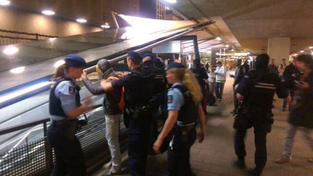 At Amsterdam airport arrested two more people