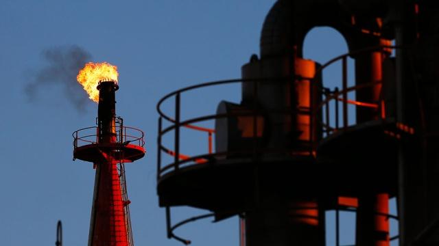 Цена на нефть марки Brent поднялась выше 51 за баррель