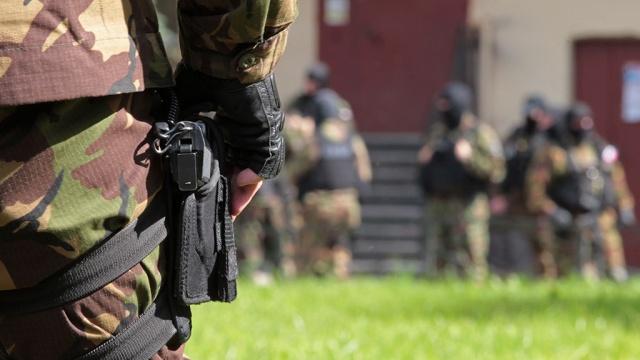 Изъятый у полковника Захарченко мешок денег отправили в хранилище вещдоков