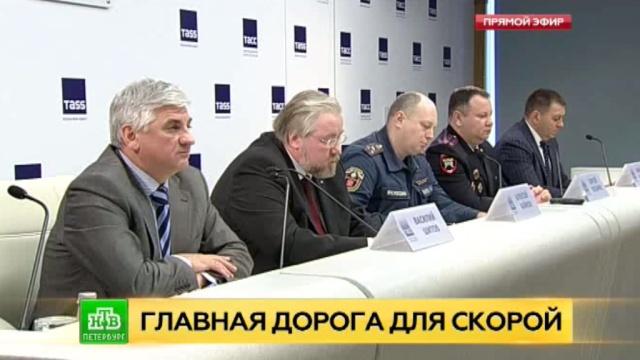 Петербургские врачи скорой призывают жестко наказывать автохамов