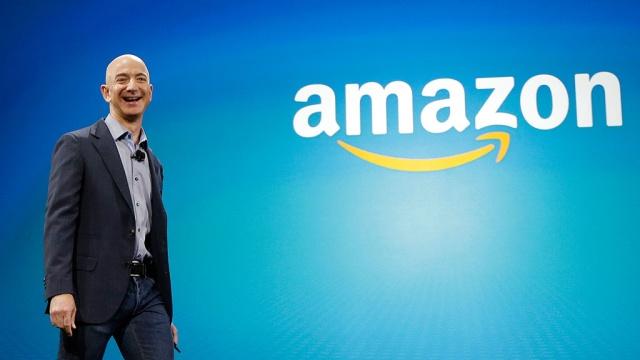 Основатель Amazon впервые вошел в тройку богатейших людей мира