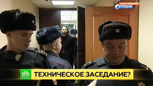 Обвинение потребовало от Глеба Грозовского не изучать материалы собственного дела