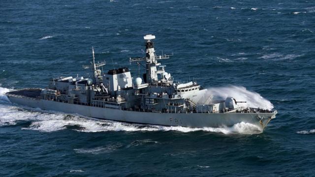 Британский фрегат сопроводил российские корветы в Ла-Манше
