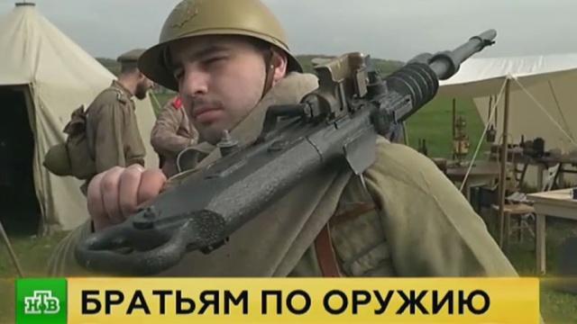 Во французском Курси исполнили гимн РФ в память о русских воинах-освободителях