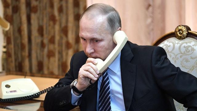 Путин, Меркель, Олланд и Порошенко обсудили Украину по телефону