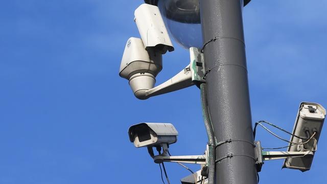 В Москве начали работать камеры, отслеживающие лихачей