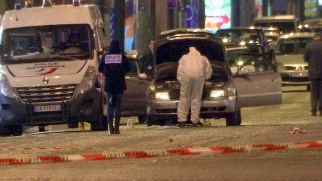 Расстрел полицейских в Париже: личность террориста установлена