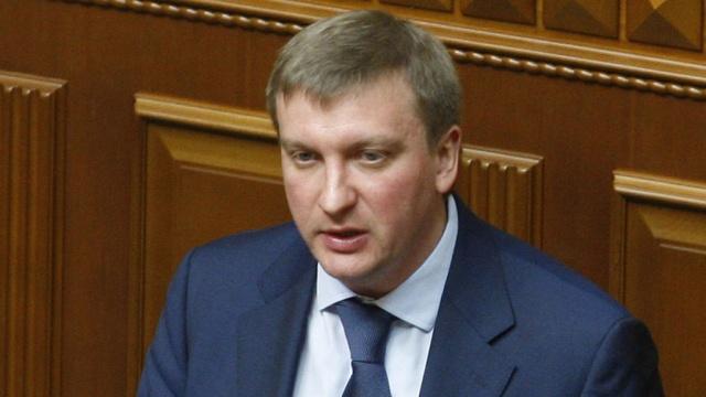 Украинских чиновников обязали выучить английский до 2019 года