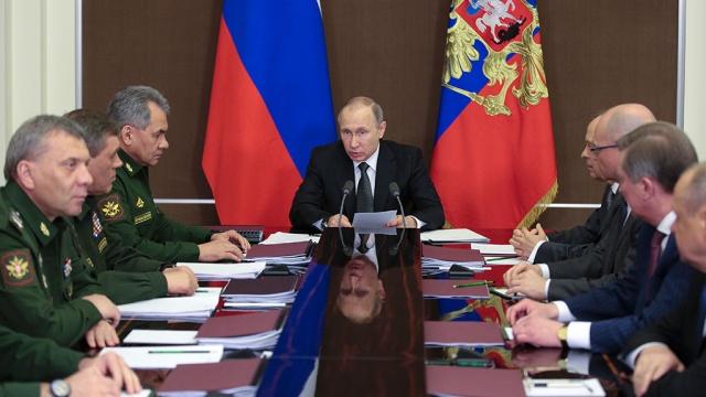 Путин призвал использовать весь научный потенциал для обеспечения обороноспособности