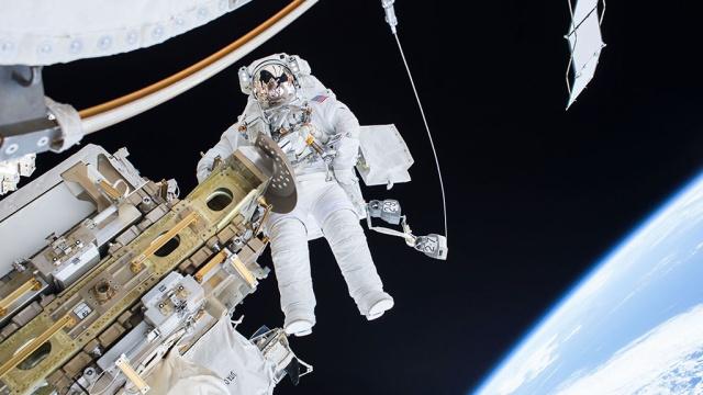 Астронавты на МКС совершат экстренный выход в космос