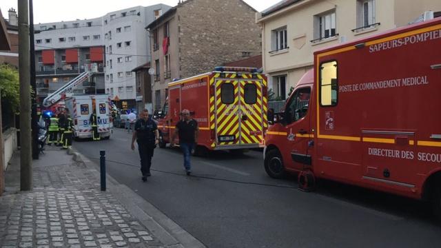 неизвестный бросил коктейль молотова ресторан париже пострадавшие