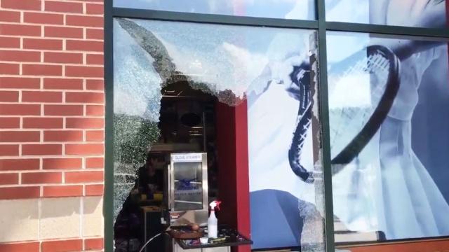 В США подросток ограбил оружейный магазин и вызвал большой переполох