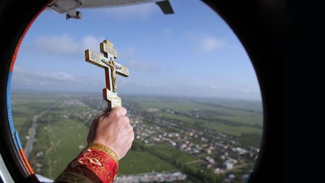 В Башкирии нефтяники не дали священникам вертолет для окропления земли святой водой