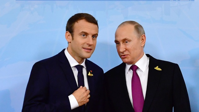 Макрон извинился перед Путиным за опоздание на встречу в Гамбурге