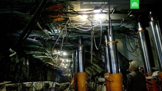 В Кузбассе из-за удара молнии в шахту эвакуированы сто горняков