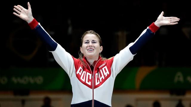 Российская рапиристка Дериглазова завоевала золото ЧМ по фехтованию