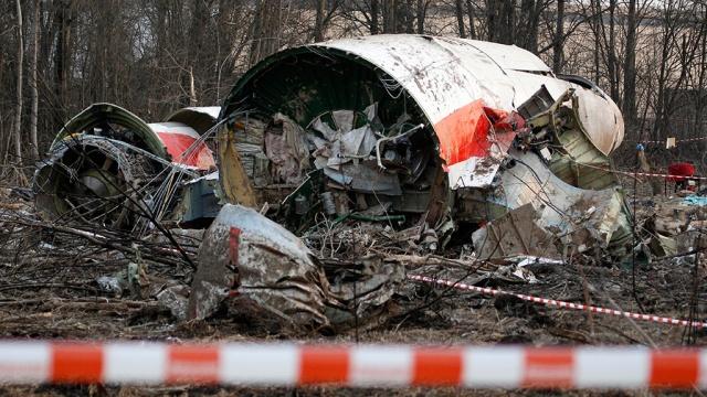 В СК опровергли данные Польши о следах взрыва на обломках самолета Качиньского
