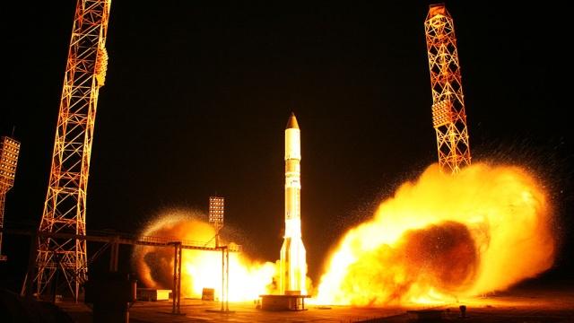 """Ракета """"Протон-М"""" с военным спутником стартовала с Байконура"""
