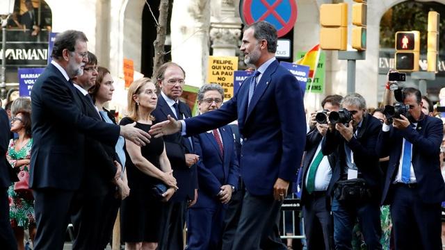 Король Испании принял участие в шествии против терроризма
