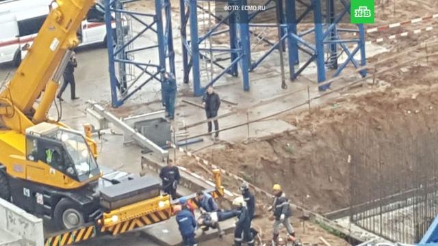 Обрушение крана в Химках: число жертв увеличилось