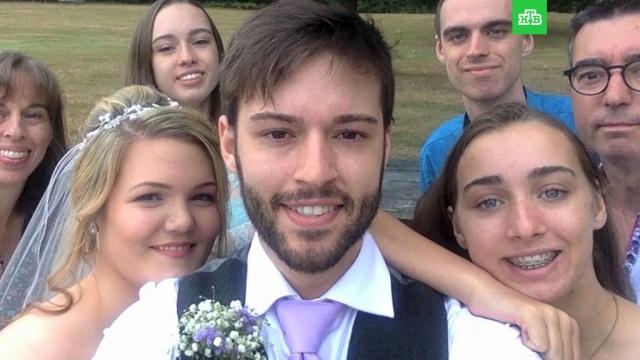 Канадец перед свадьбой смонтировал все селфи за 9 лет: видео