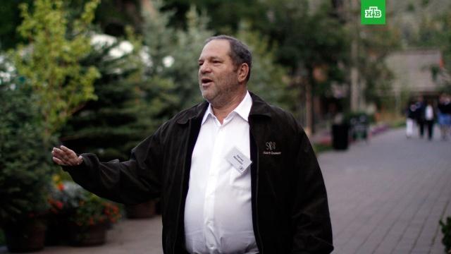 СМИ: продюсер Вайнштейн прилетел в Аризону для лечения от сексуальной зависимости