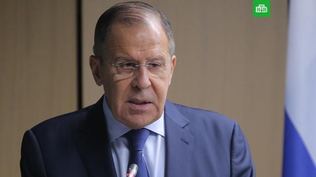 Лавров: Россия не будет просить Запад об отмене санкций