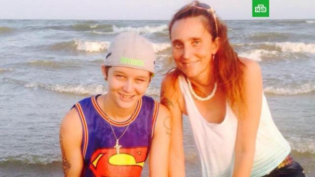 Американка сядет в тюрьму на 10 лет за брак с родной матерью