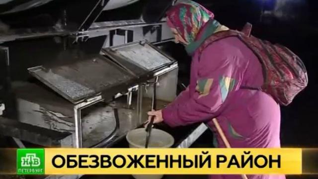 обезвоженный поселок петербургом доставили цистерны водой