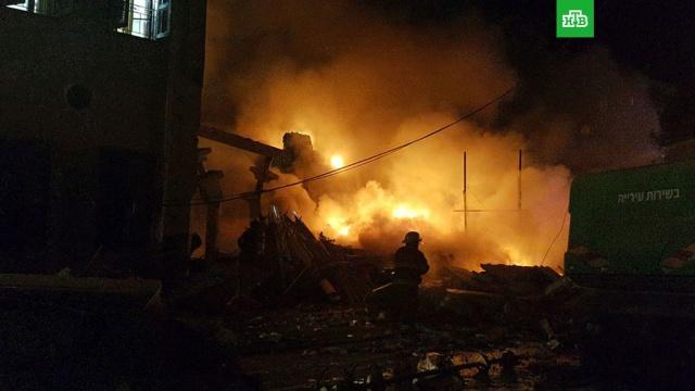 Пять человек пострадали при взрыве в Тель-Авиве